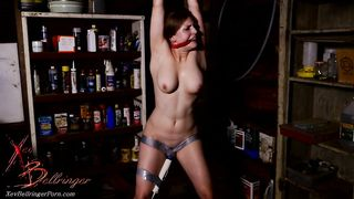 Sexy mom Xev Bellringer moans like a wild animal while getting her cunt vibrated